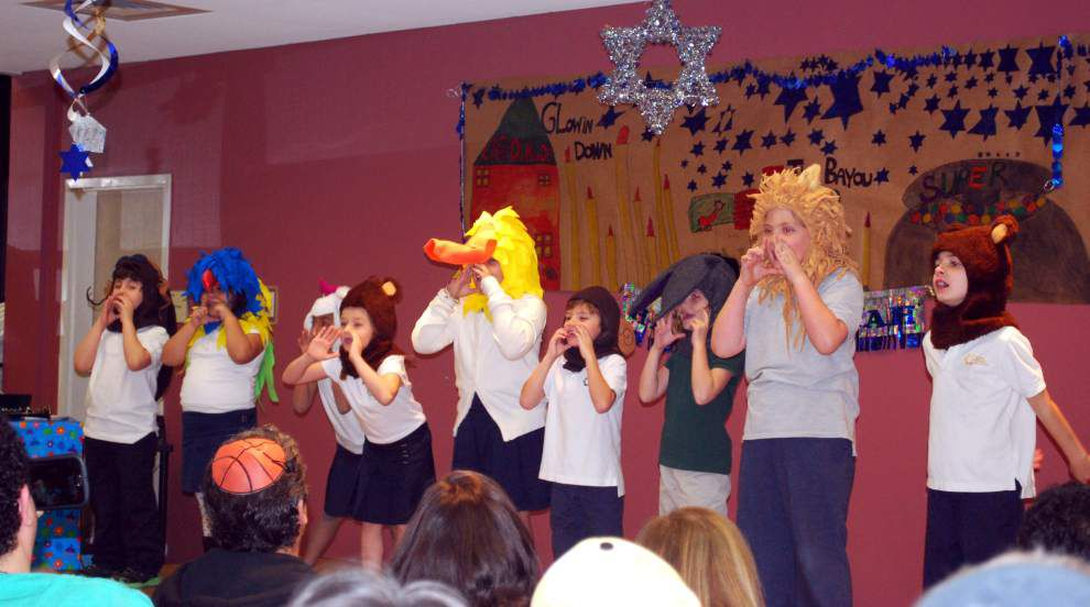Students present Chanukah musical, 'Glowin' Down the Bayou' _lowres