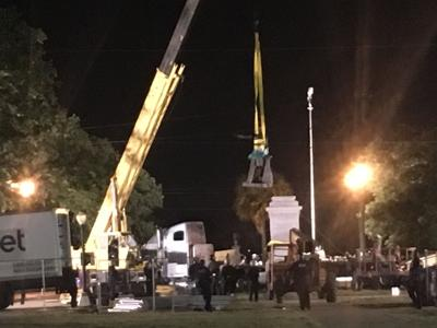 Jefferson Davis comes down, second of four Confederate-era monuments removed in New Orleans_lowres