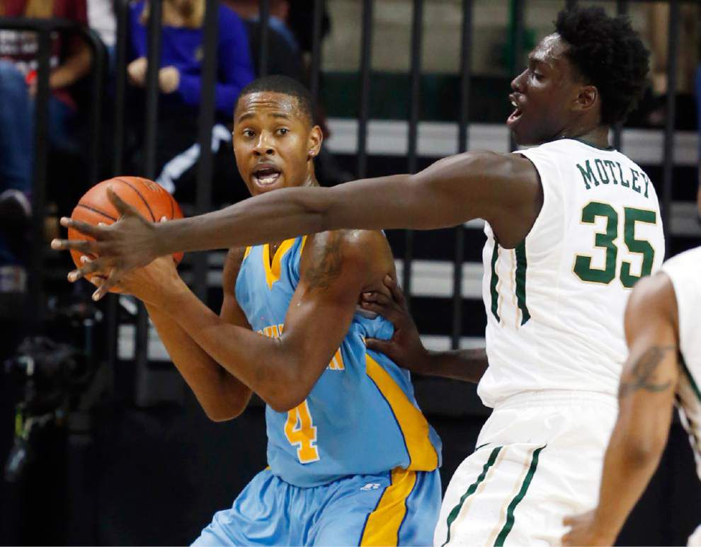 Southern men hang tough with No. 22 Baylor but fall 70-66 _lowres