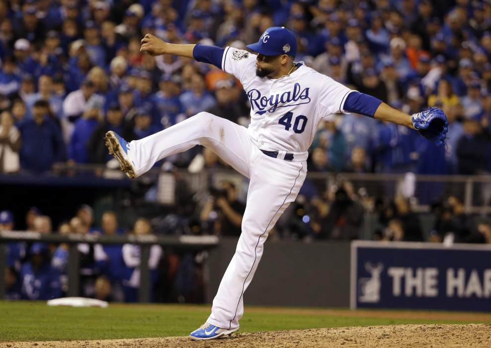 Eric Hosmer sacrifice fly in 14th lifts Royals to World Sereis Game 1 win _lowres