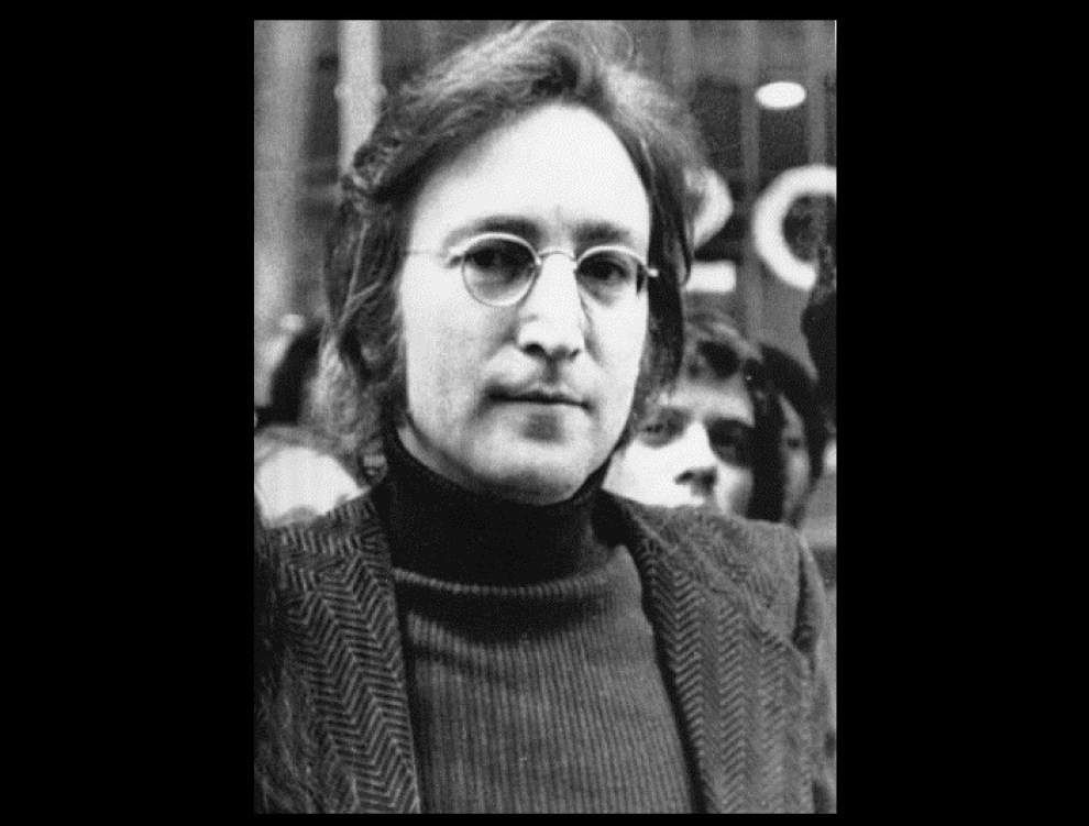 Parole denied for Lennon's killer _lowres