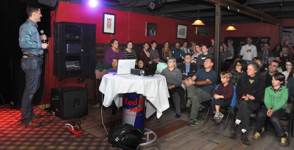 Science is served: Science Café takes top research out of classroom and puts it on stage _lowres