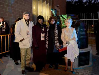 Statue recalls young girl's ordeal during desegregation of city's schools _lowres