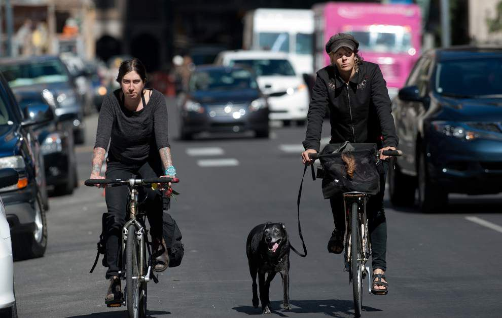 Baronne bike lane gets go-ahead; one traffic lane to be removed on trial basis _lowres