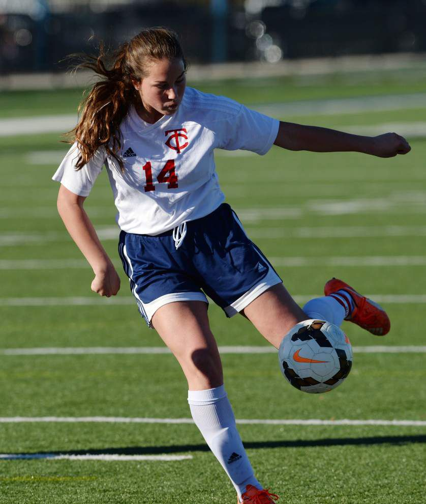 Teurlings' pressure too much as Rebels girls soccer team blanks Minden 8-0 in first-round playoff game _lowres