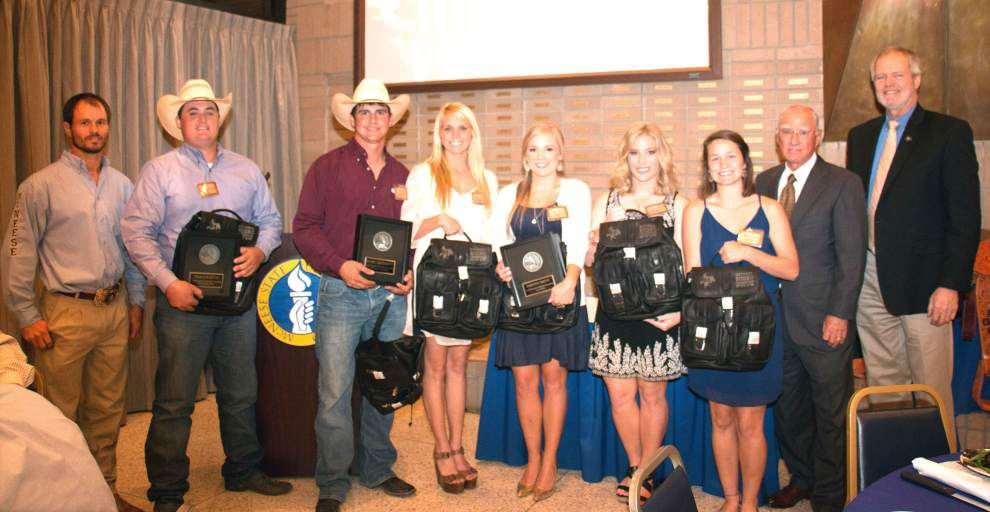 McNeese honors Smith for rodeo win _lowres