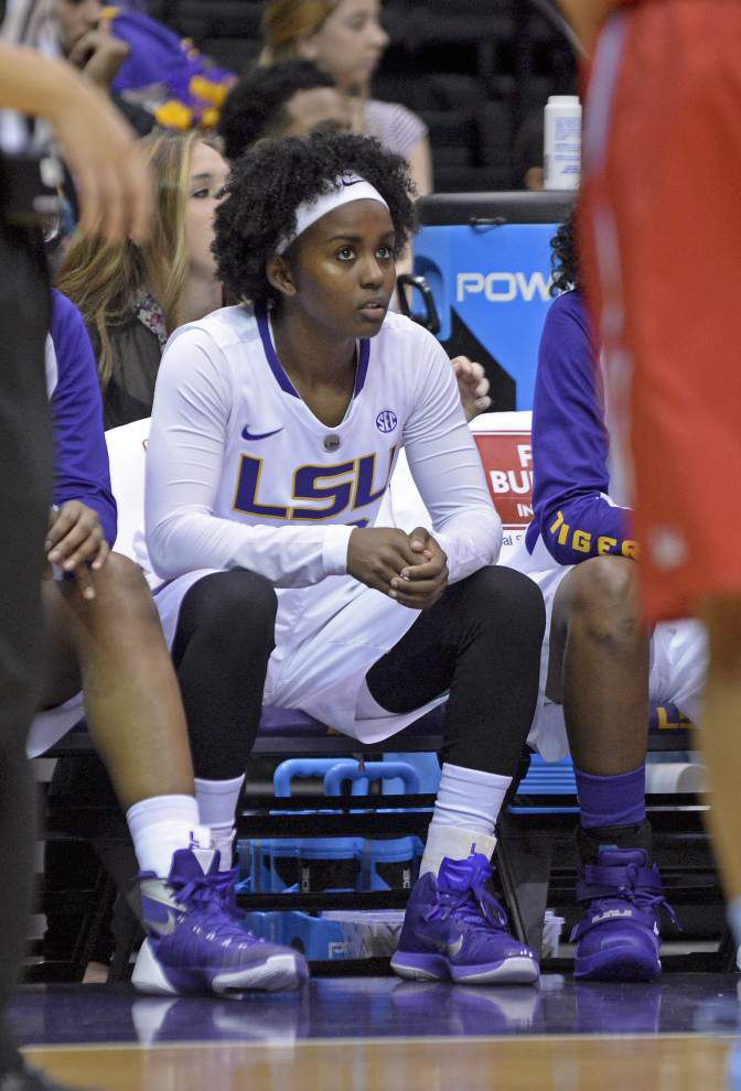 Constance Quinn juggles being part of LSU's women's basketball, softball teams _lowres