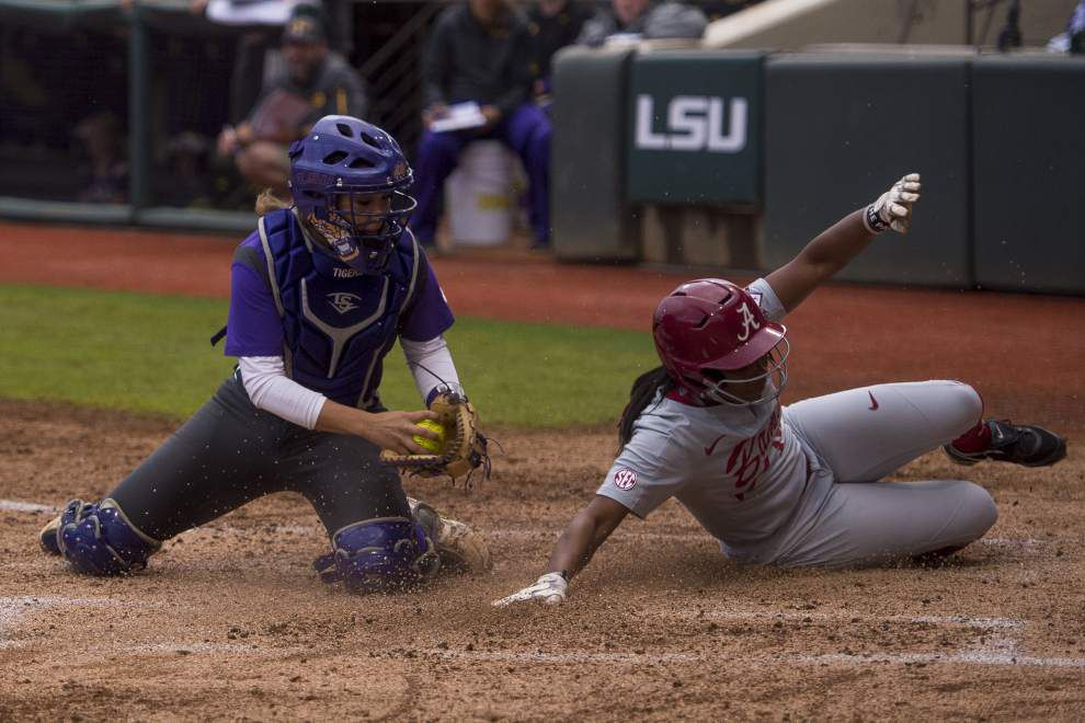 Errors costly to LSU in softball loss to Alabama _lowres