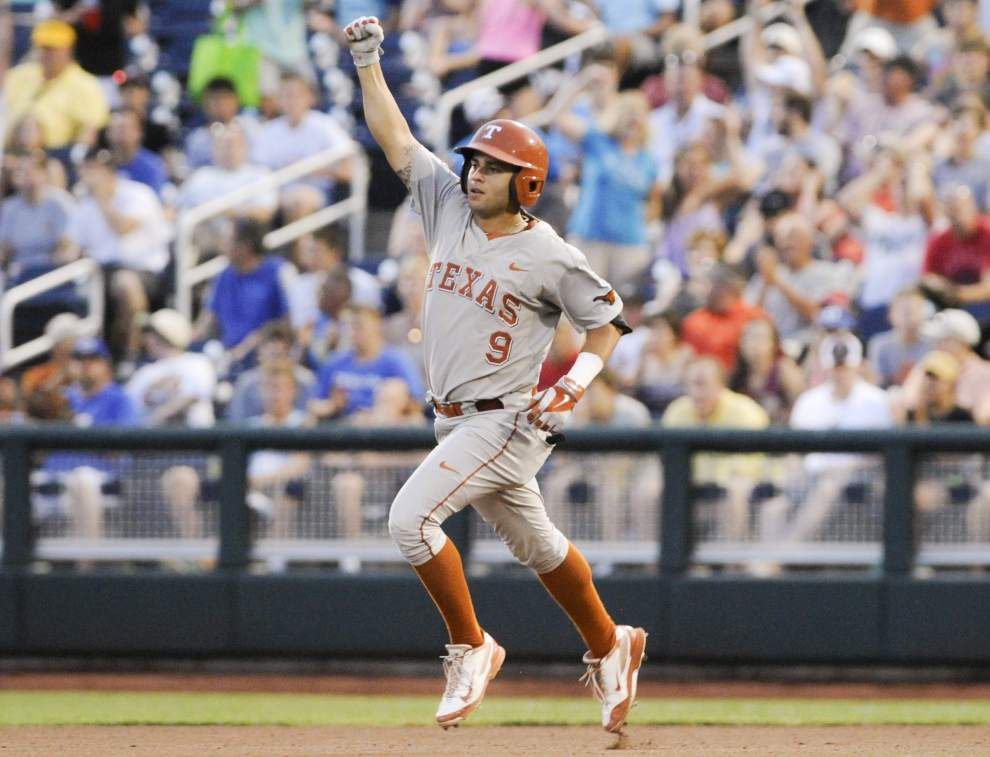 C.J. Hinojosa's HR holds up in Texas' 1-0 win _lowres