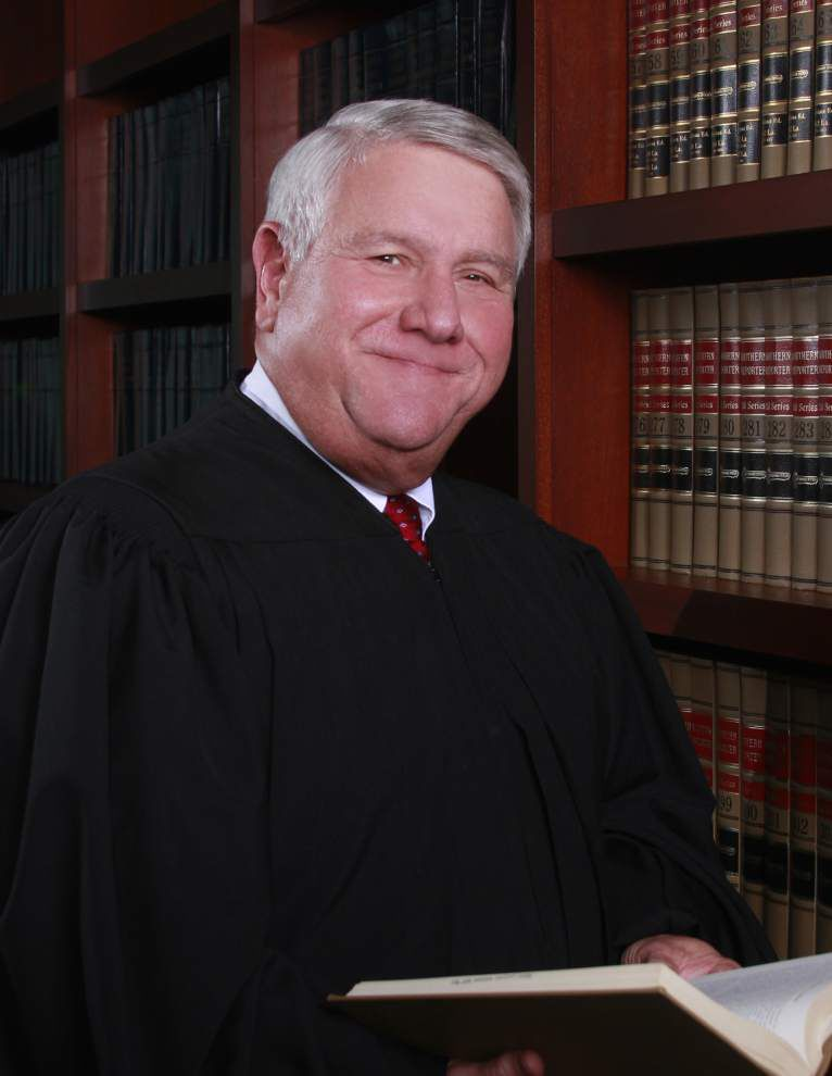 Lawyer to run for judge's seat _lowres