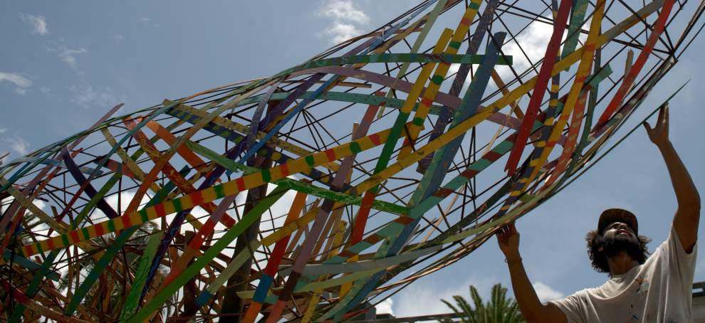 155-foot-long 'Funnel Tunnel' sculpture latest to decorate Poydras median _lowres