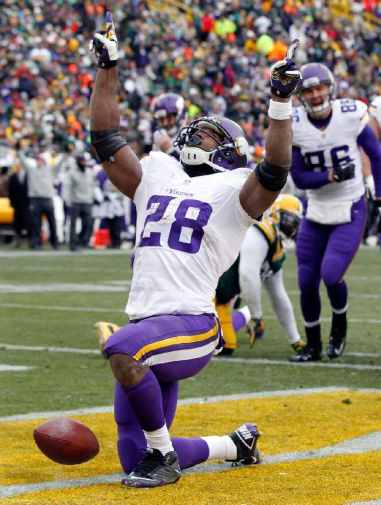 A big gain for Adrian Peterson as a judge takes his side _lowres