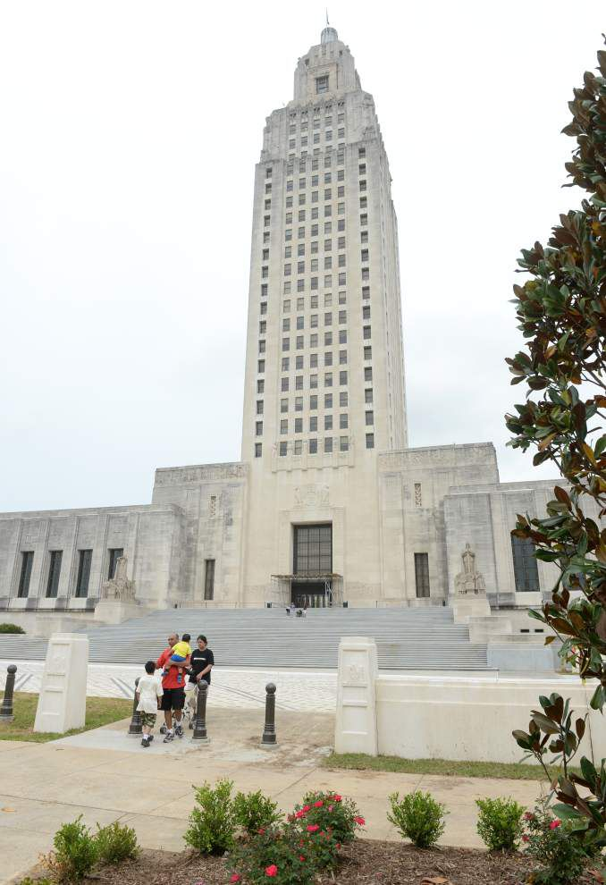 Another accident at Louisiana capitol marks 11th incident involving new parking lot security system _lowres