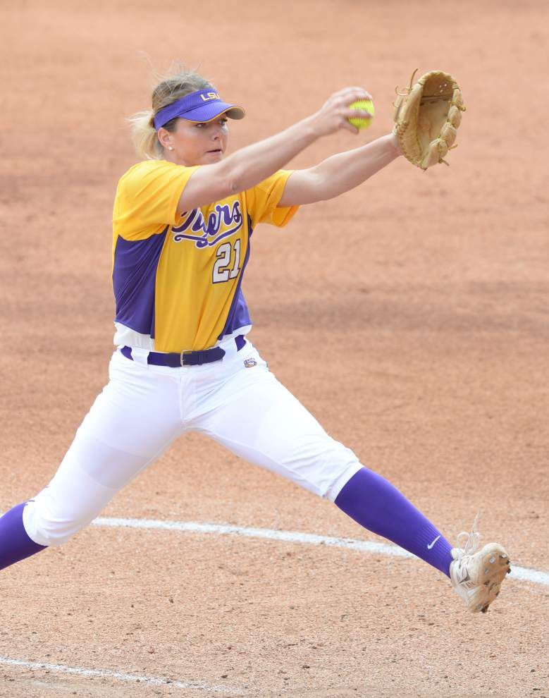 Carley Hoover strikes out 15 as LSU softball defeats Texas Tech _lowres
