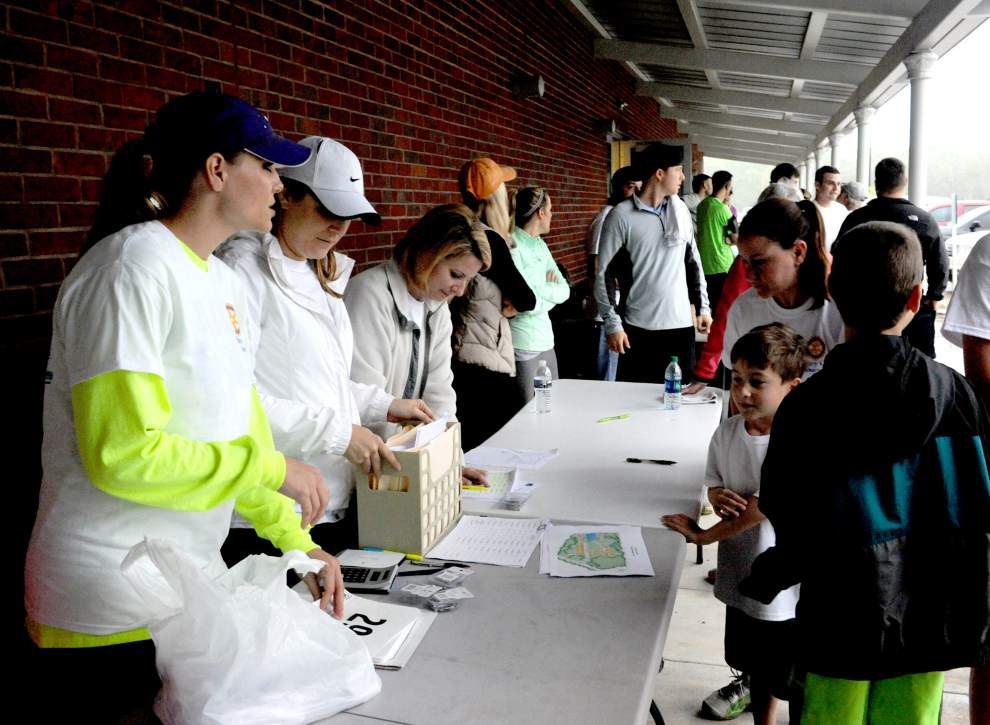 Runners race for Zachary rotary _lowres