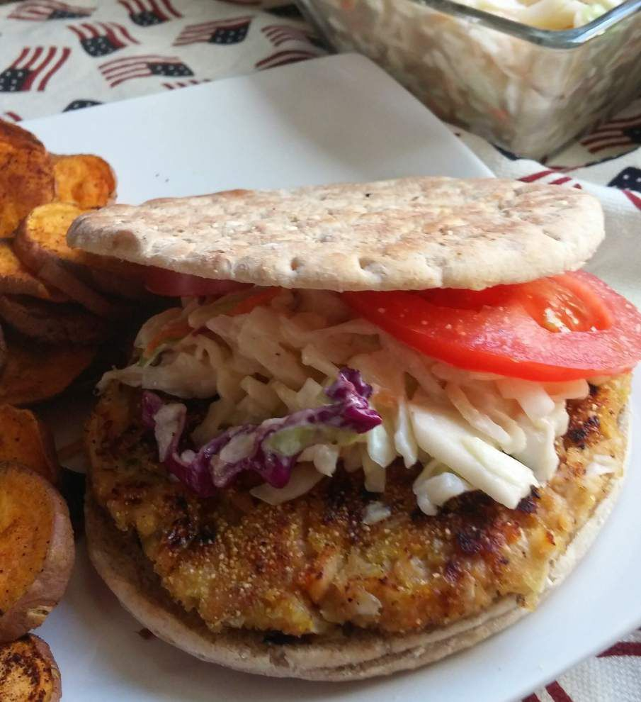 Leftover Coleslaw Salmon Burgers _lowres