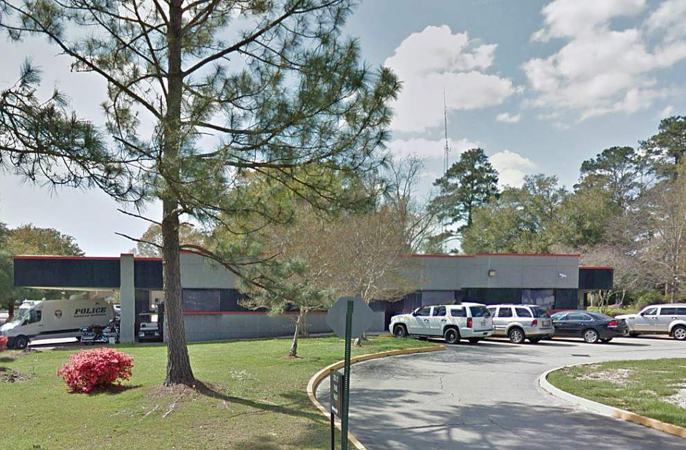 Denham Springs offers its police station as a safe place to carry out Craigslist transactions _lowres