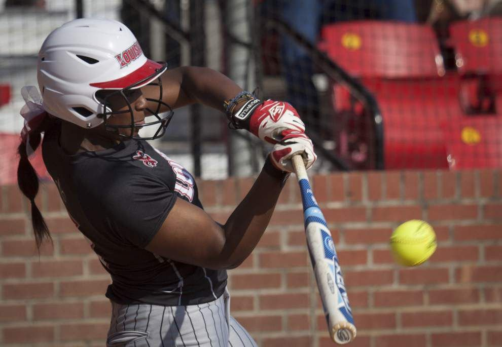 Aleah Craighton developing into power source for Cajuns softball _lowres
