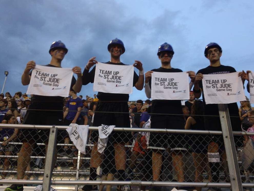 Dutchtown cheerleaders raise money for St. Jude _lowres