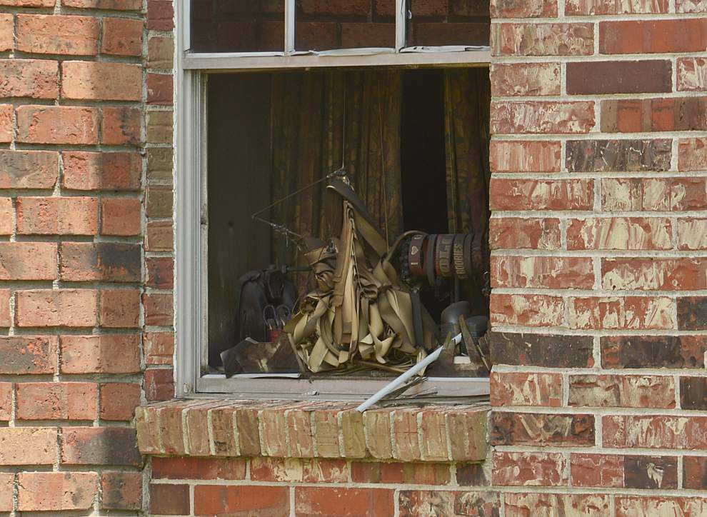 Firefighters rescue 13 from burning Savoy Plaza Apartments _lowres