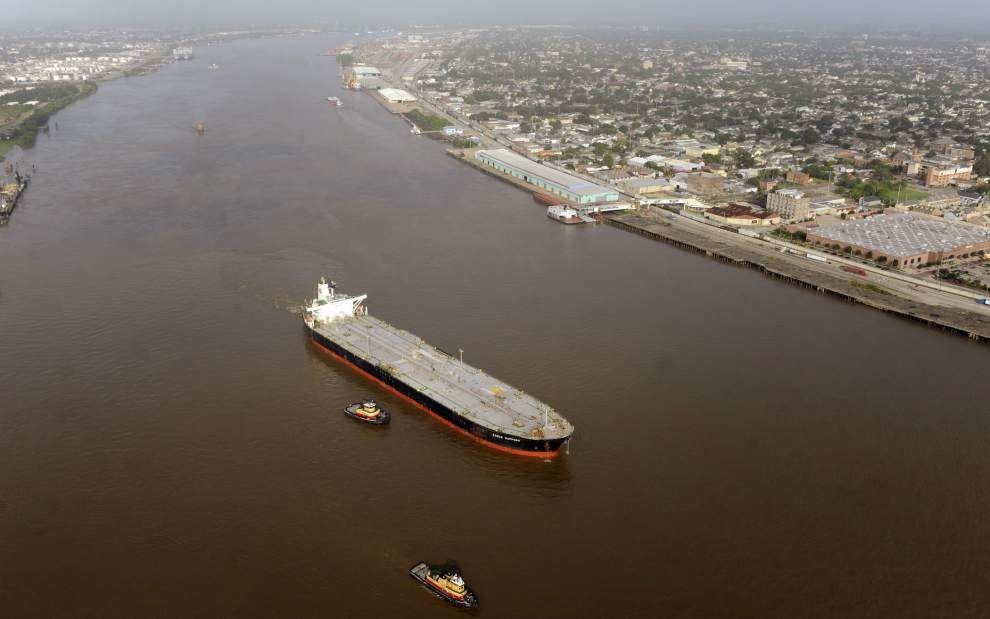 Louisiana chemical industry files suit to block $50,000 raises for Mississippi River pilots _lowres