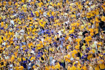 Sources: Five LSU assistants sign new deals, but John Chavis not among them; more football renovations planned _lowres