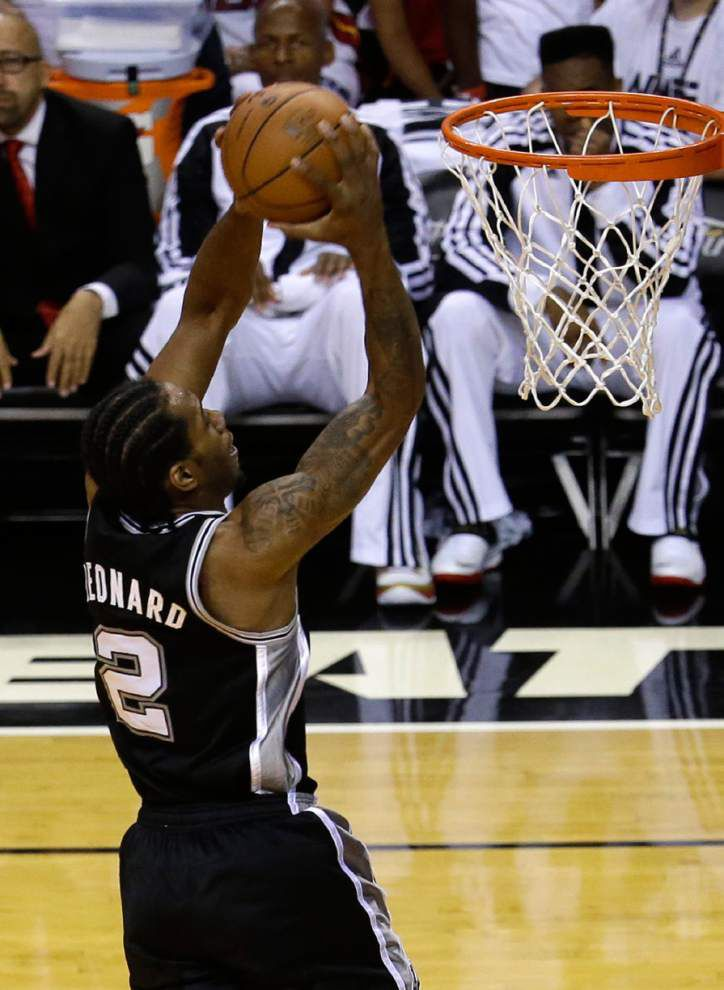 NBA Finals: Record half carries Spurs to 2-1 edge over Heat _lowres