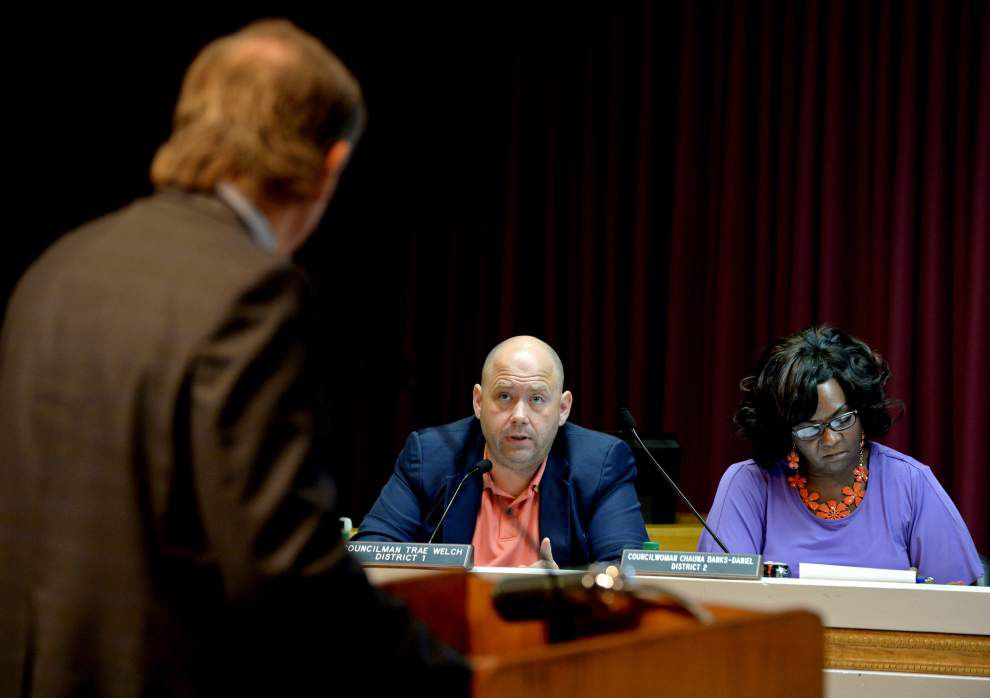 In attempt to block a proposed barge-cleaning operation, Metro Council seeks rezoning of the property _lowres