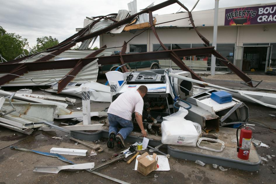Governor: 3 injured, 20,000 without power as three suspected tornadoes rip through Lousiana