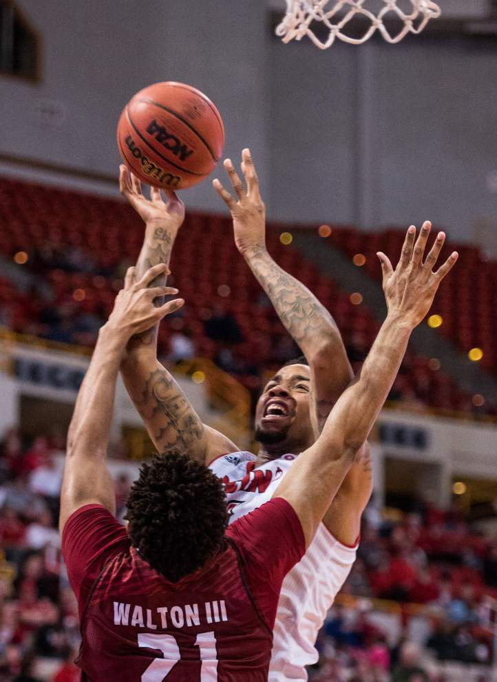 Cajuns' winning streak reaches 4 games with 88-65 romp over Troy _lowres