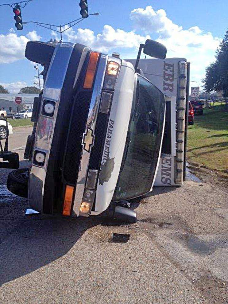 EMS vehicle involved in crash Wednesday afternoon, no injuries reported , Baton Rouge officials report _lowres
