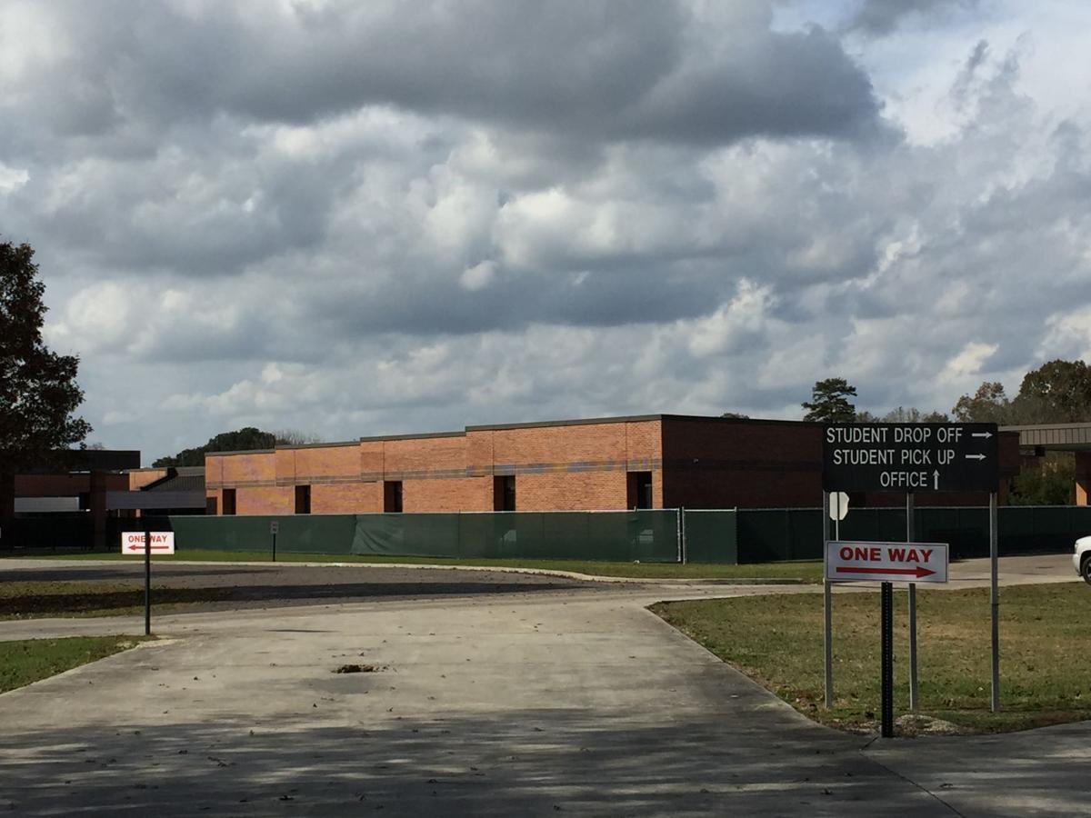 Galvez Primary School.JPG