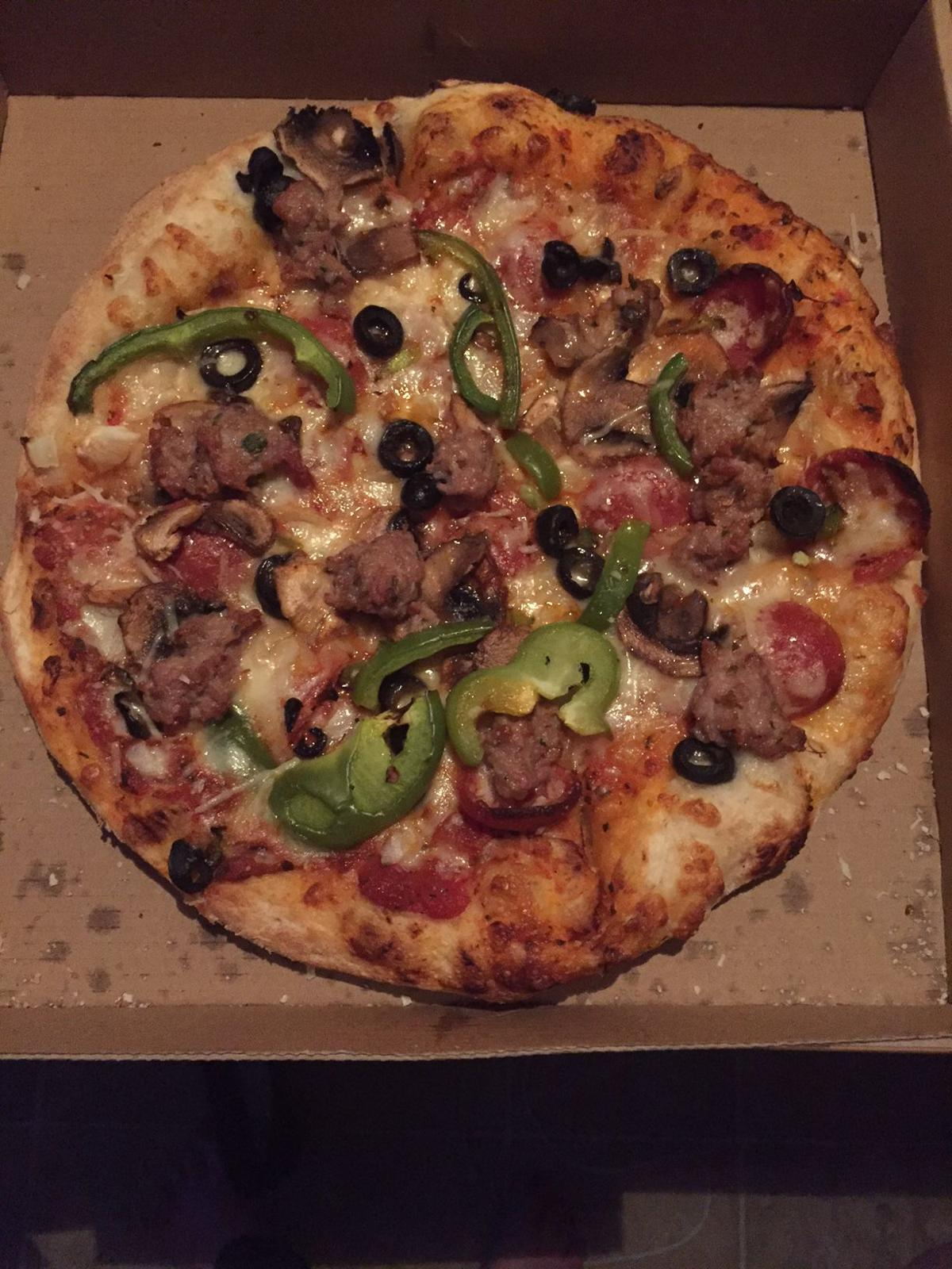 Restaurant review: Reginelli\'s offers a great pizza, but don\'t miss ...