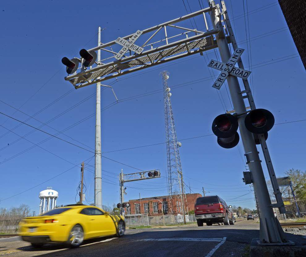 Railroad crossings getting safety upgrades, or closing, on 6-mile stretch in Baton Rouge, site of 11 accidents since 2000 _lowres