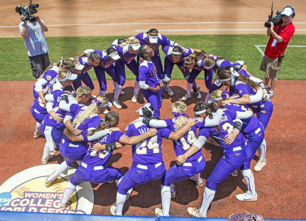 LSU-Florida matchup in Women's College World Series filled with sub-plots _lowres