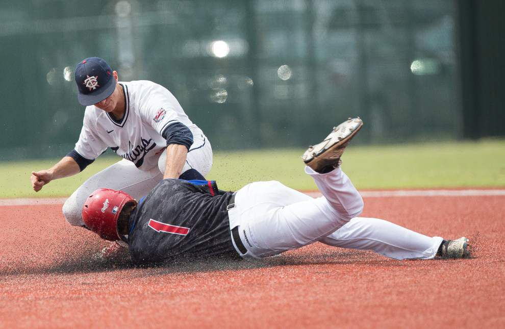 Hayden Cantrelle's daring play lifts Teurlings Catholic to a 3-2 win over West Ouachita in the LHSAA Class 4A state title game _lowres