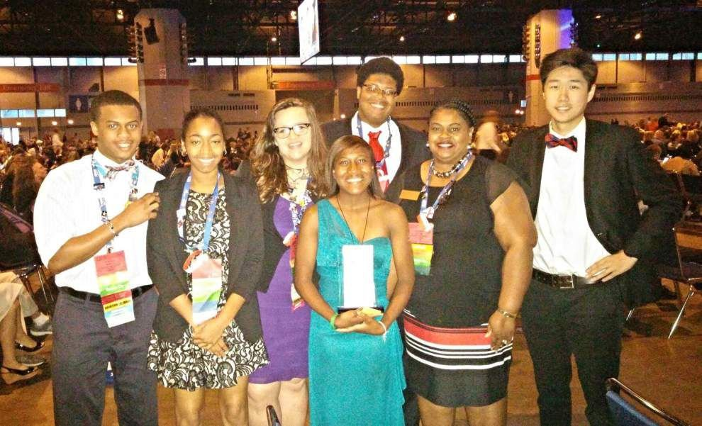 Future business leaders recognized _lowres