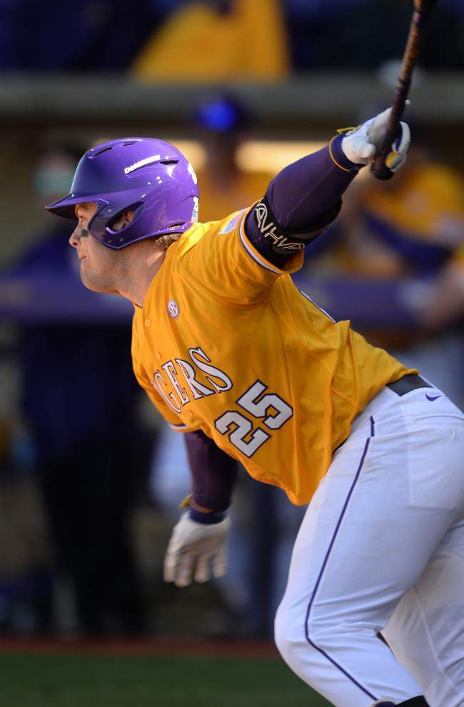 LSU baseball solves the wind, avoids sweep with 7-5 win against Alabama _lowres