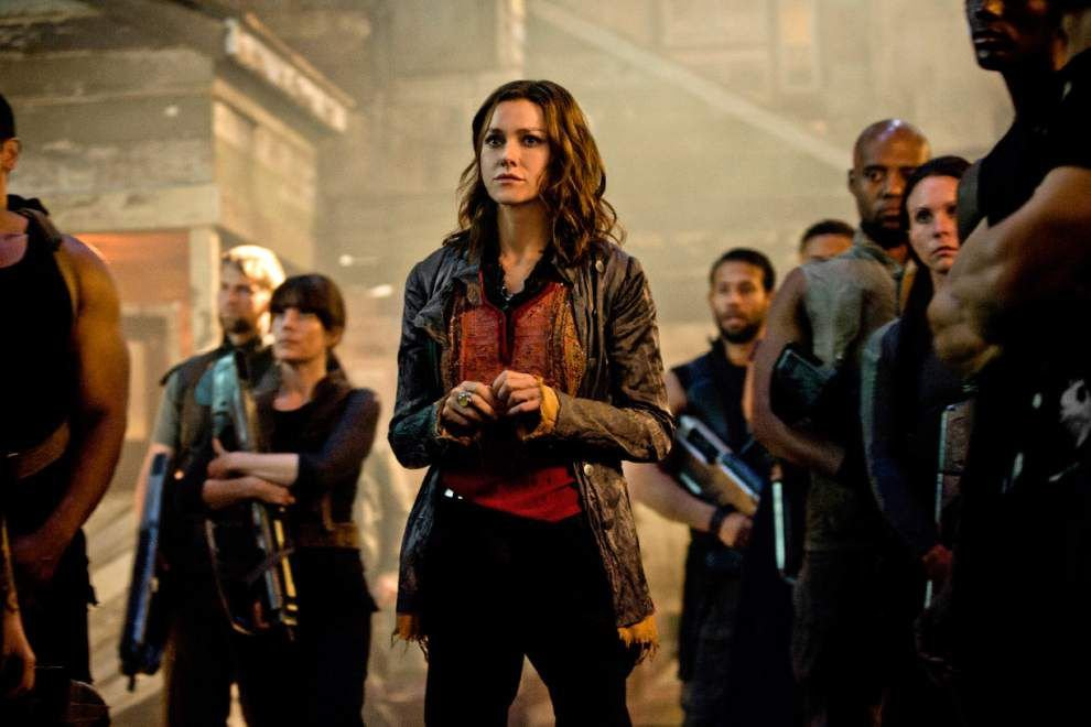 Review: The rebellious women of 'Insurgent' break the action mold _lowres
