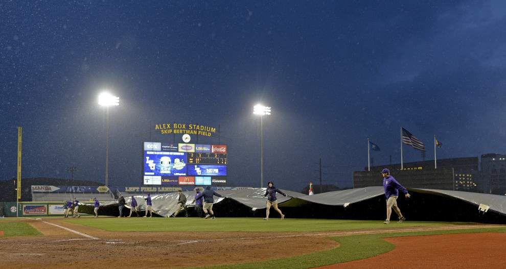 LSU baseball notebook: Paul Mainieri has 'alternative' pitching plan in case of weather _lowres