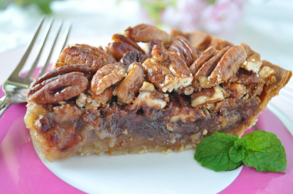 Pecan Pie with honey Crunch Topping.JPG