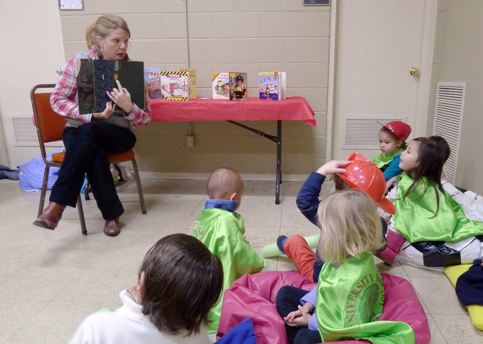 Preschool 'Superheroes' craft gifts to thank others for their service _lowres