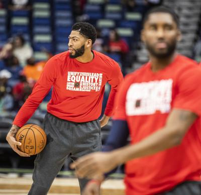 Report  Anthony Davis suffered  contusion  in Pelicans win 3cb2ab3e3