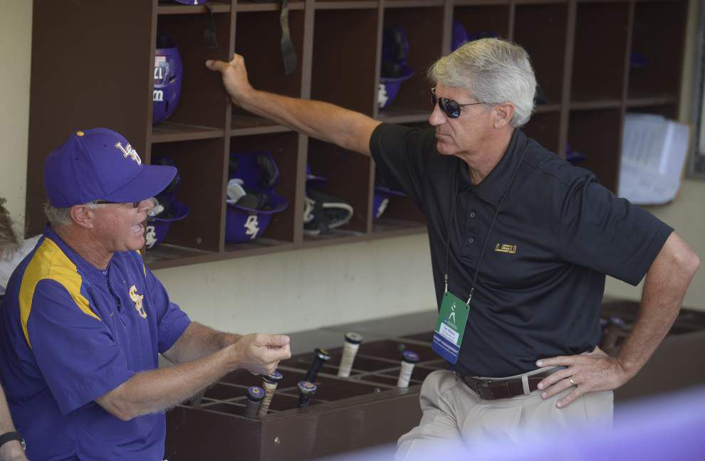 LSU AD Joe Alleva: 'No-brainer' to keep Paul Mainieri, who continues to excel as competition improves _lowres