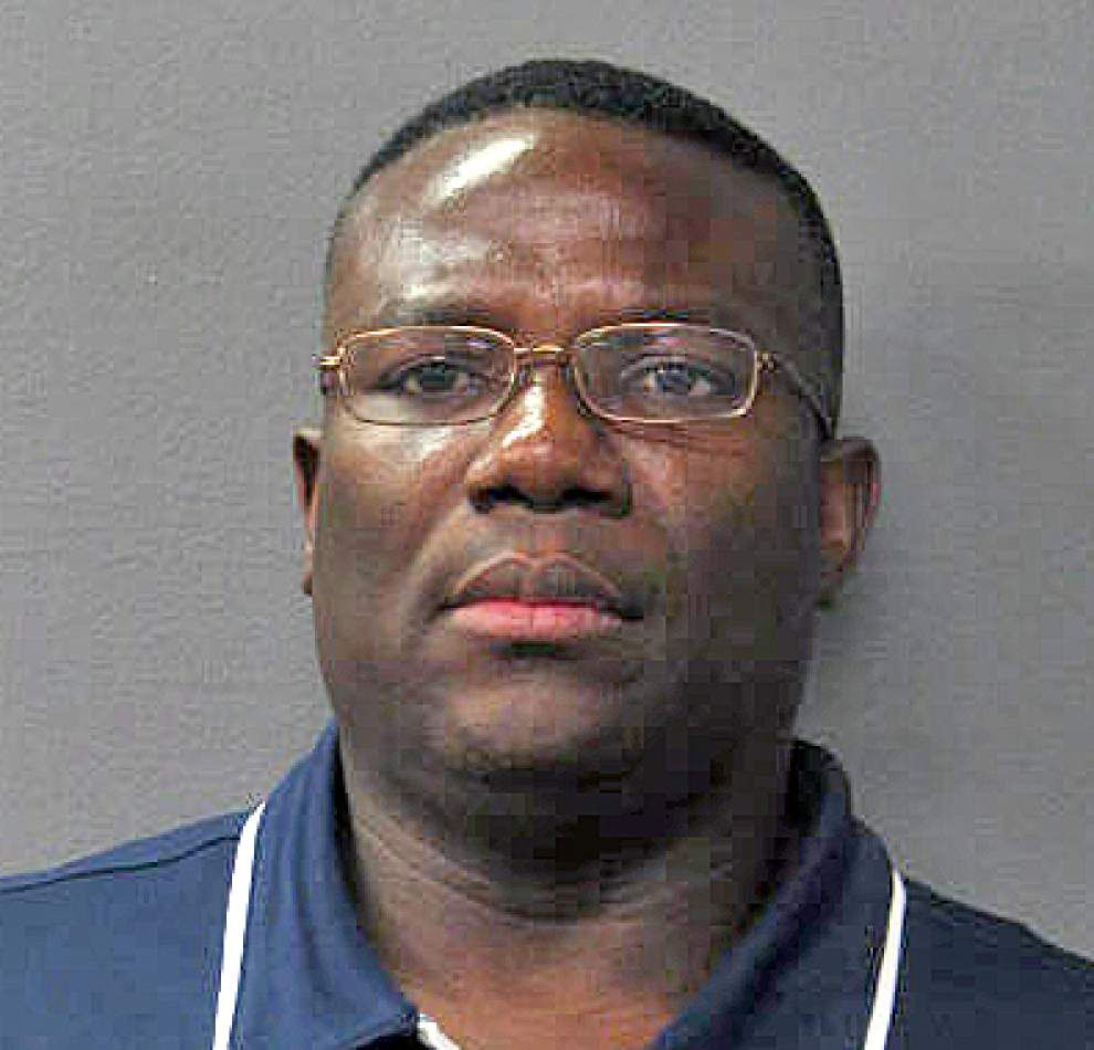 Jeanerette's police chief worked security at Lipstick Gentleman's Club, but did nothing while crimes were committed inside, Metro Narcotics reported Tuesday _lowres