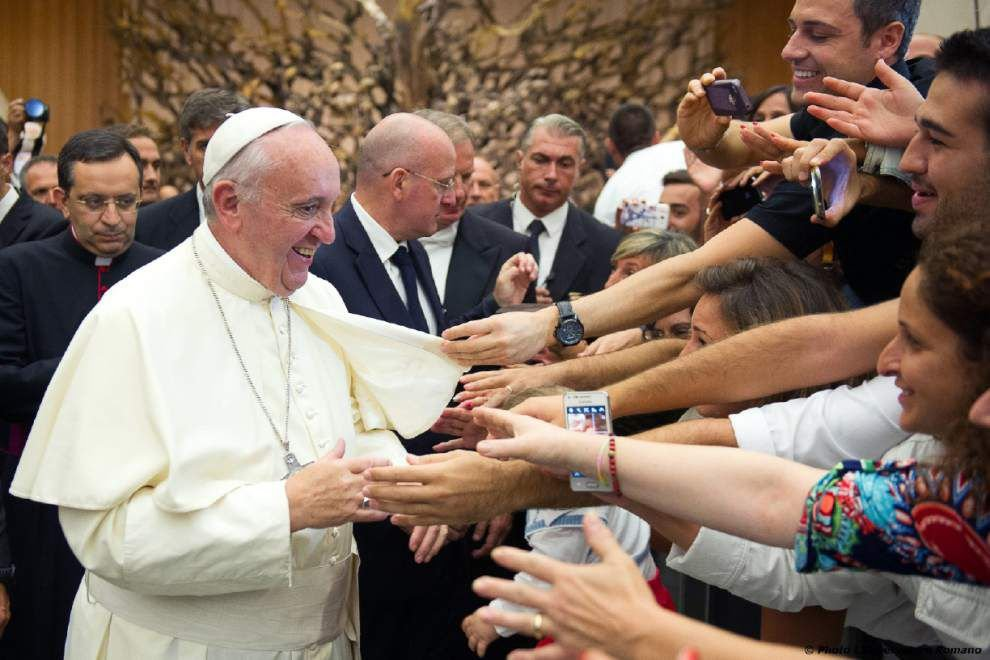 Pope Francis simplifies marriage annulments, allows for fast-track decisions _lowres