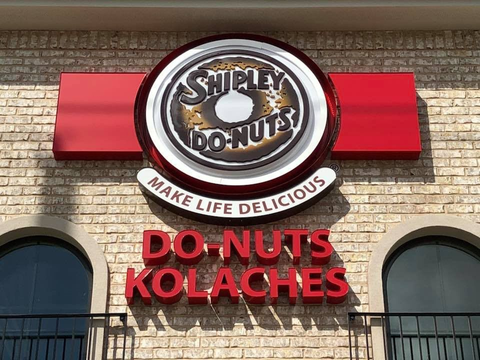 Shipley Do-Nuts opens in Old Metairie_lowres