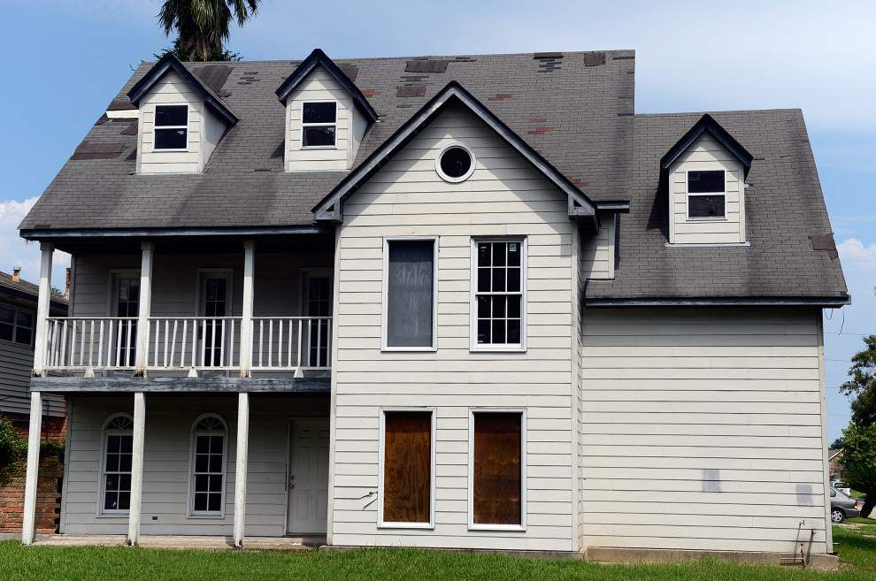 Blighted Kenner house, thorn in city's side, moves closer to demolition _lowres