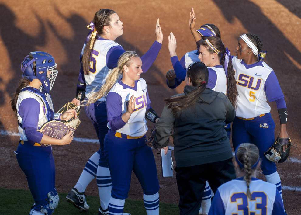 LSU softball team back at home to face Texas A&M Aggies _lowres