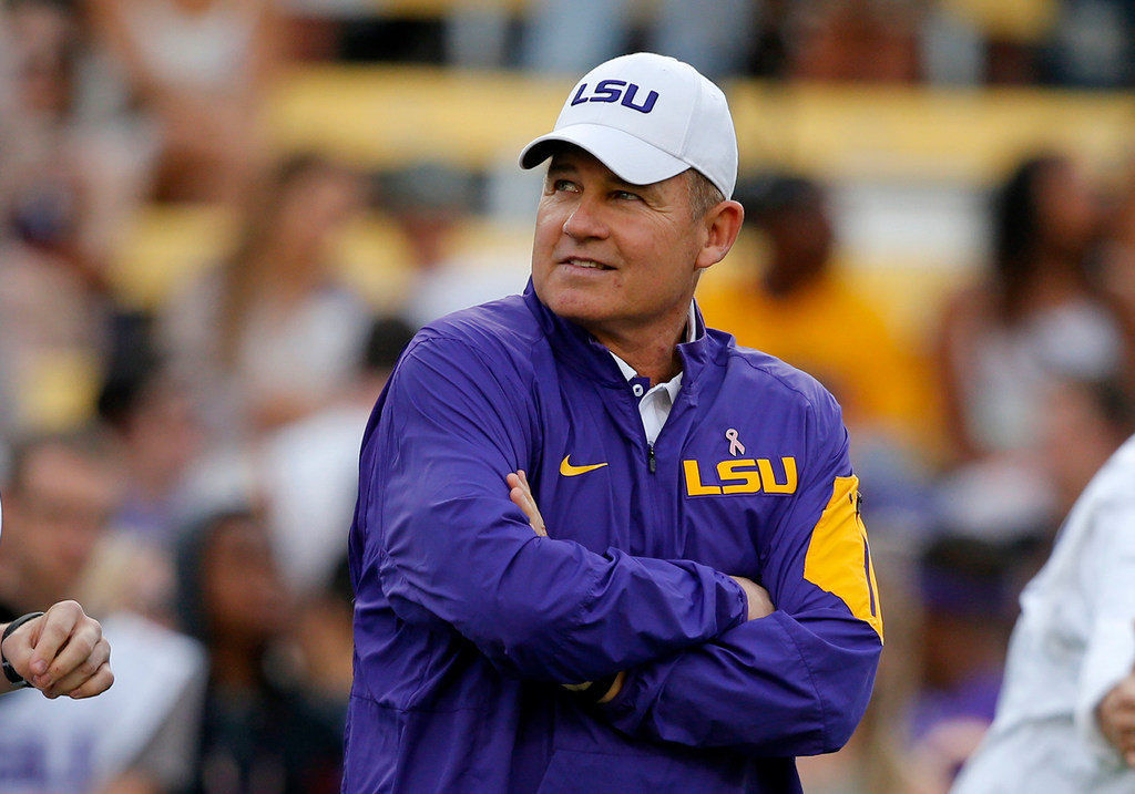Les Miles is hired as an analyst by FOXSports: Report